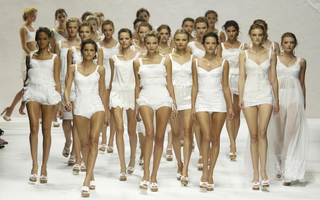 Девушки модели в нягань бесит работа девушки